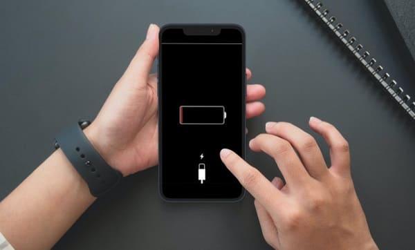 iphone não carrega, só quando desligado